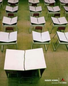 Cours de mourra au Trident par le professeur Berti, venez avec votre table ! 538821_412361772144996_535857930_n-238x300